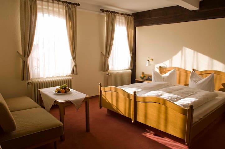 Goldener Hirsch (Burgthann), Einzelzimmer Traditionell - Gasthof
