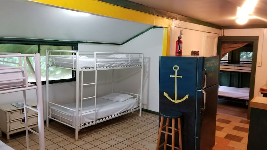 North Shore Hostel 1 bed