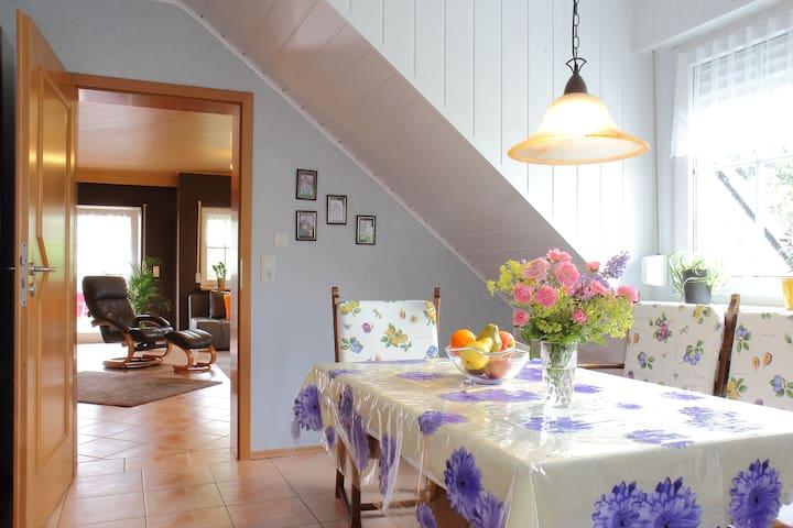 Komfortabele  Ferienwohnung 100 qm - Arft - Flat