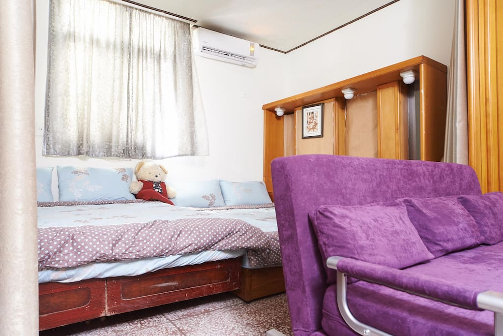 Master bedroom with very cold Air Conditioner....:-):-):-)
