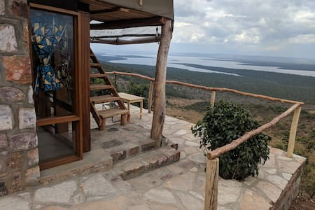Akagera Rhino Lodge - Lion Hill Family Room