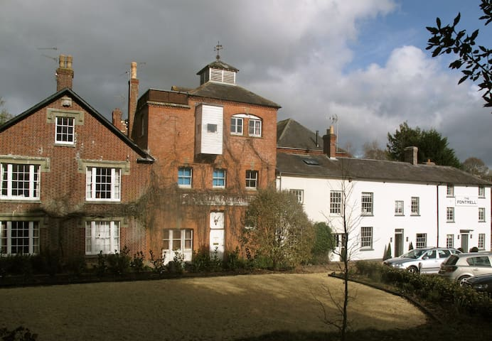 Converted Brewery in Fontmell Magna - Dorset - House