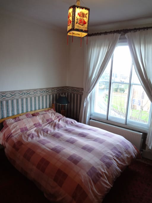 Lovely Double Room with Wifi