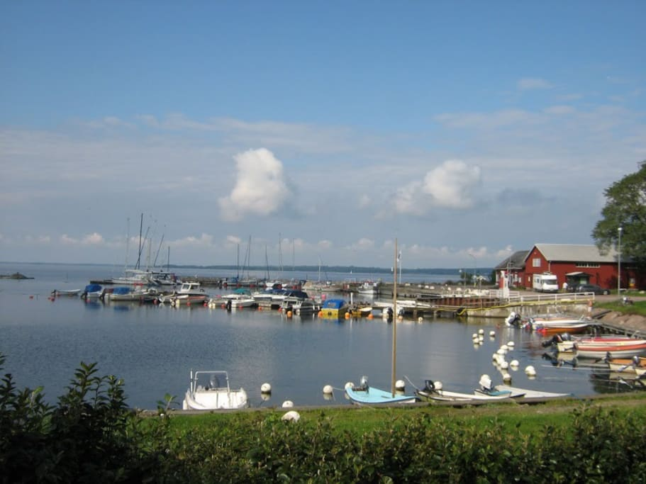 This is Stora Ror's harbour with pub, beach and Mormor's bakery!