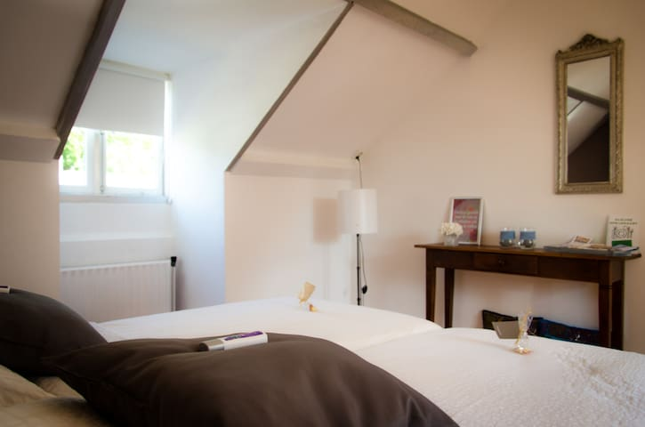 Idyllisch B&B in Ginneken, Breda - Breda - Bed & Breakfast