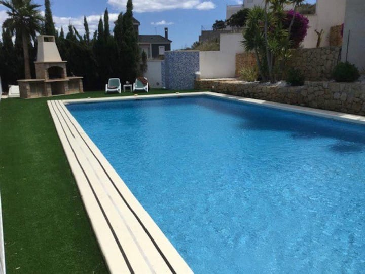Villa with wonderful view and private pool for 8