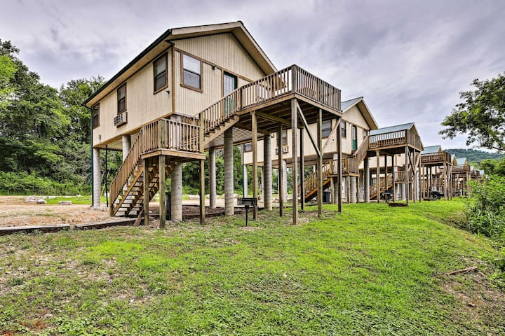 This 2-bedroom, 1-bath vacation rental is right on the White River!