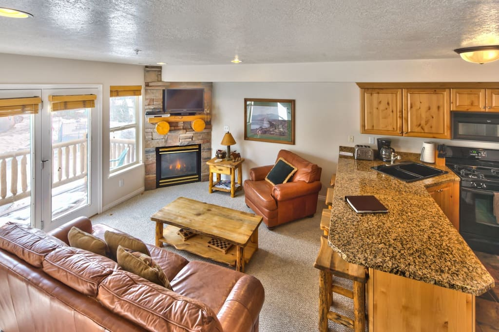 Utah Lodging / MH 409 / Main Level / Living