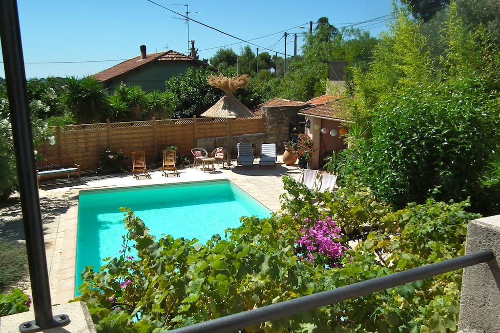 Villa splendide avec piscine houses for rent in ceyreste for Au jardin guest house welkom