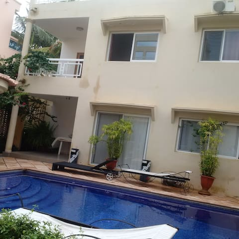 two bedroom house with own swimming pool almadies