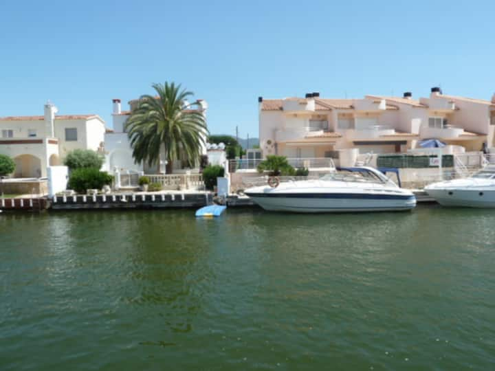 Nice fisher house and private mooring-214