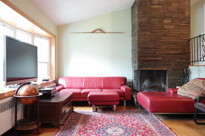 Private Room, Unbeatable Location 30min to NYC