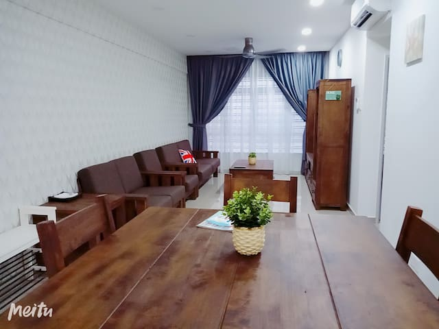 MIDAS 3 ROOM APARTMENT
