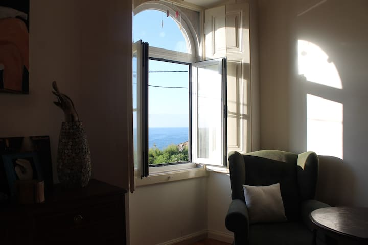 Stunning Beach Home with Ocean View, Your 2nd home - Colares - Casa