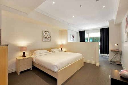 Fully furnished city studio - Sydney