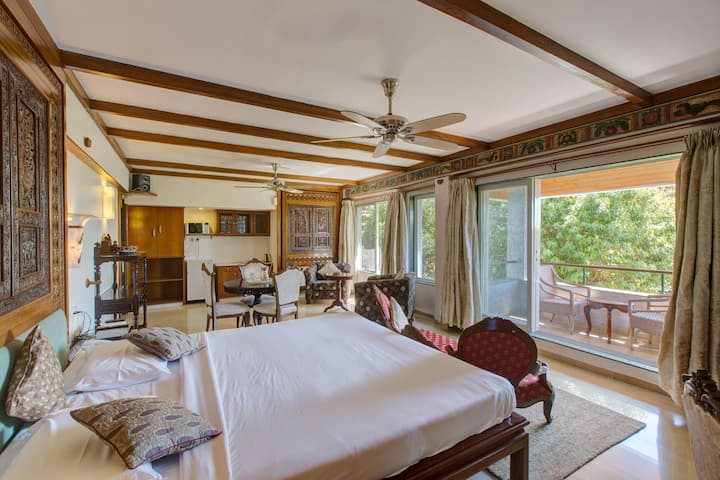 Heavenly Suite for couples/family in Mahabaleshwar