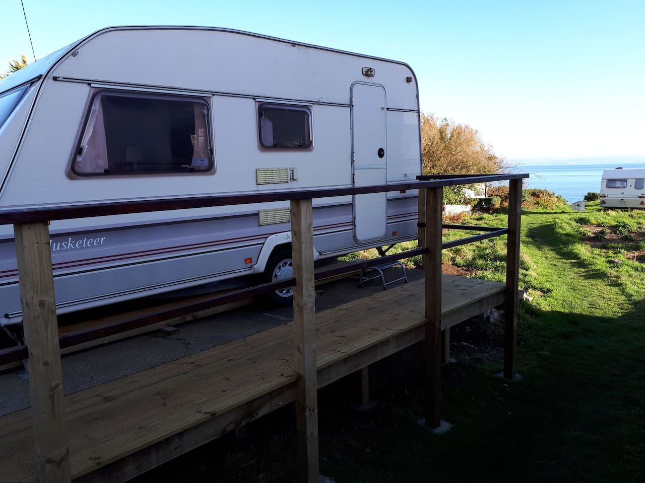 Selfcatering for 3/4. Gas fire and hob, electric lights Seaviews and easy access. 1 min from bus stop, 2 mins walk to silversands beach.