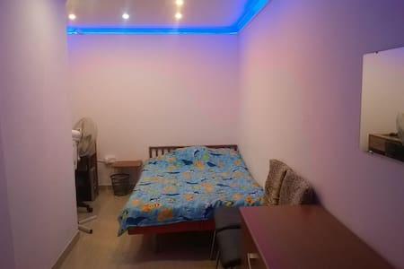 Room with doublebed - Marsa - Rumah