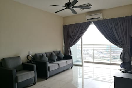 Cozy house with ultimate Seaview @ Harbour Place - Butterworth