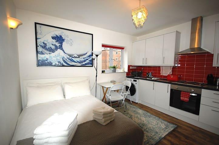 Cosy, Modern Studio Apartment N4 (St4) 10mins Tube