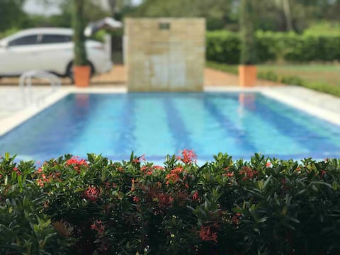 Hermosa casa de campo con aire acon,piscina,billar