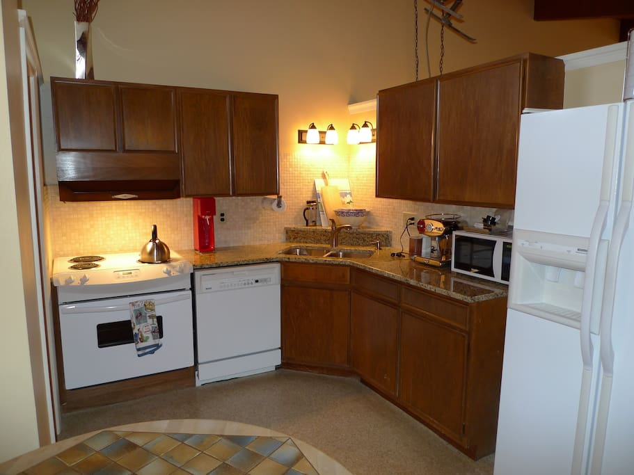 Fully equipped kitchen, an option from the easy dining options down the street