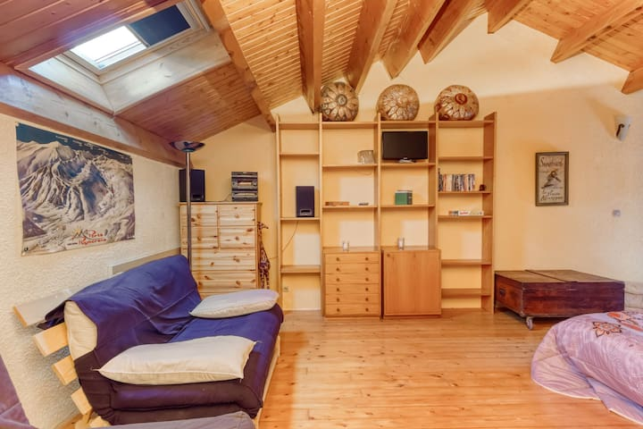 Cosy Holiday Home in Porte-Puymorens with Skiing Nearby