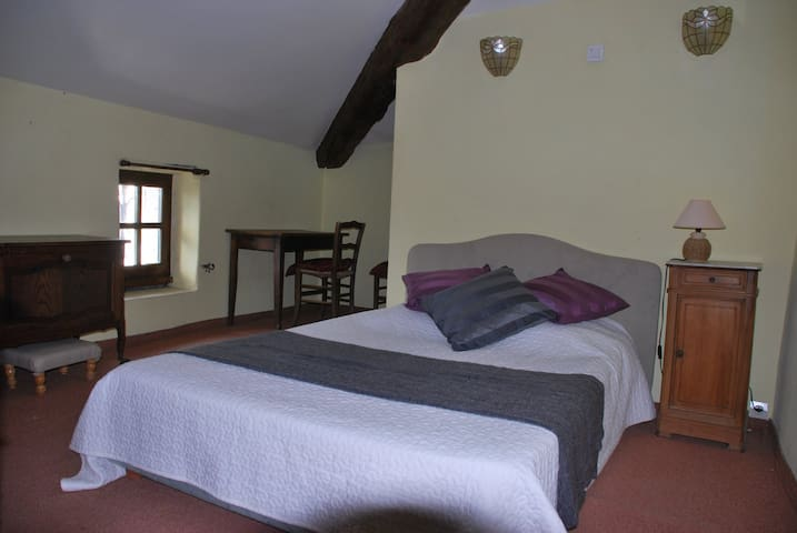 Chambre d'hôtes - Liseron - Issirac - Bed & Breakfast