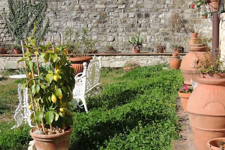 Charming not far from Florence - Fiesole - Casa de camp