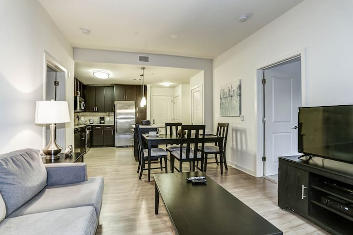 Tysons apartment- Lovely 2 bedroom with 2 bath