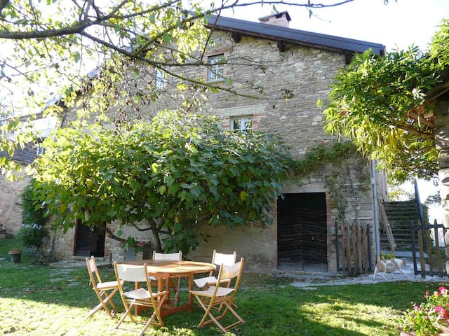 Il Glicine – traditional Italian country home - Borgo Val di Taro - Huis