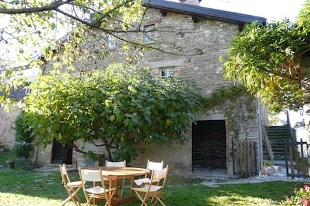 Il Glicine – traditional Italian country home - Borgo Val di Taro - Haus