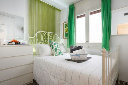 3.4 Small stylish room - double bed - Sitges - Lakás