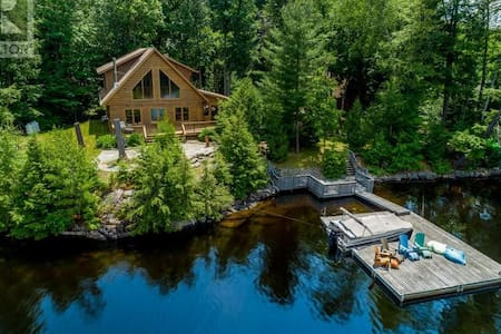 Private Cottage w/ Deep Water, Beach, & Sunsets