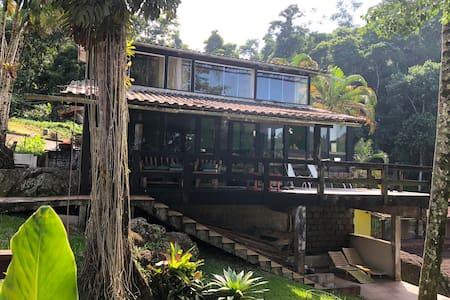 Casa Angrazul