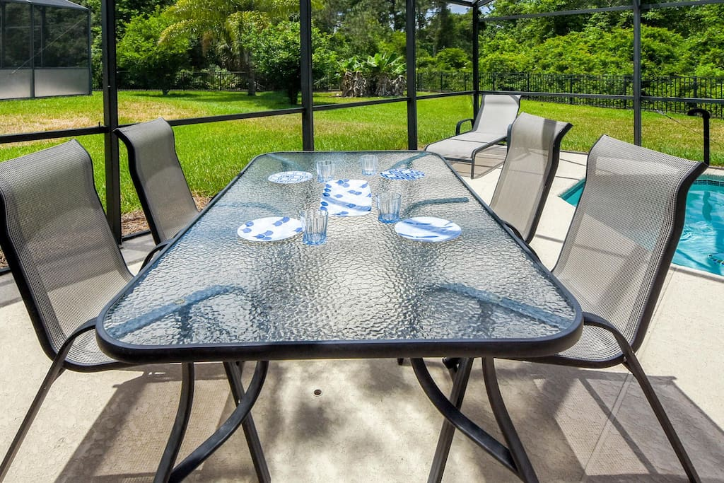 Because the weather's so good for most of the year...one of the things that we ''locals'' enjoy is sitting outdoors. Make sure to enjoy the outdoor living when you stay at this wonderful home.