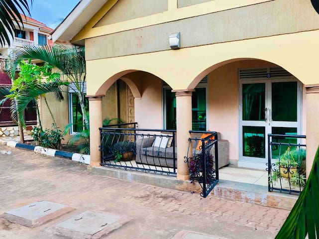 ✤✤Deluxe 2Bdrm Bungalow Behind US Embassy Kampala✤