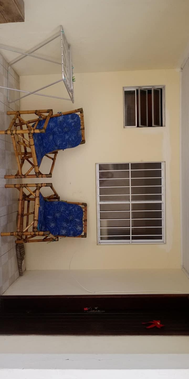 Excelente apartamento central frente ao mar