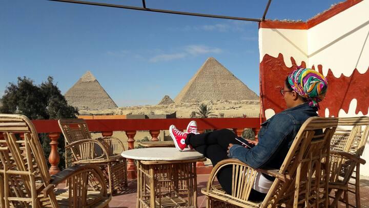 3 Pyramids view inn - Gamma