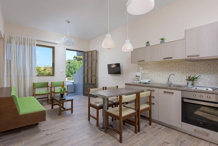 """Rodania Summer"" Two bedroom apt- Private backyard"