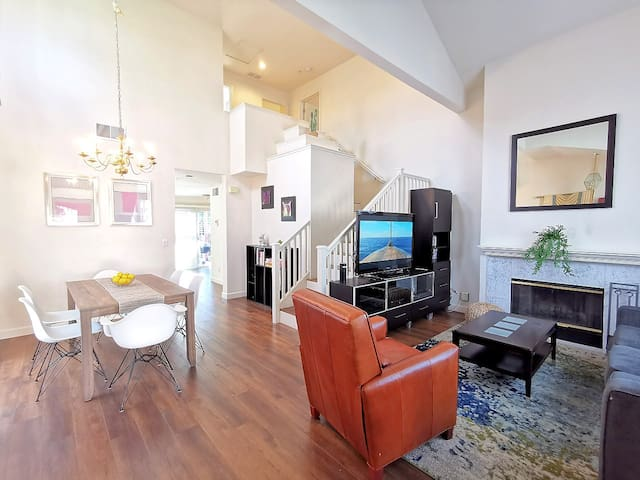 369 - Spacious Renovated 3B3B Silicon Valley Home