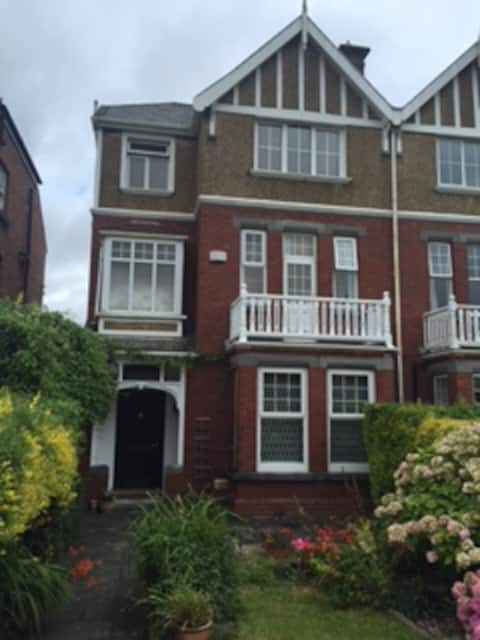 Double Room in Period Residence Ennis Road