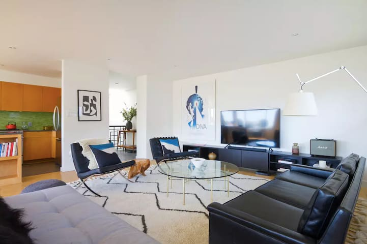 Hollywood Hills Villa Retreat, Views and Privacy