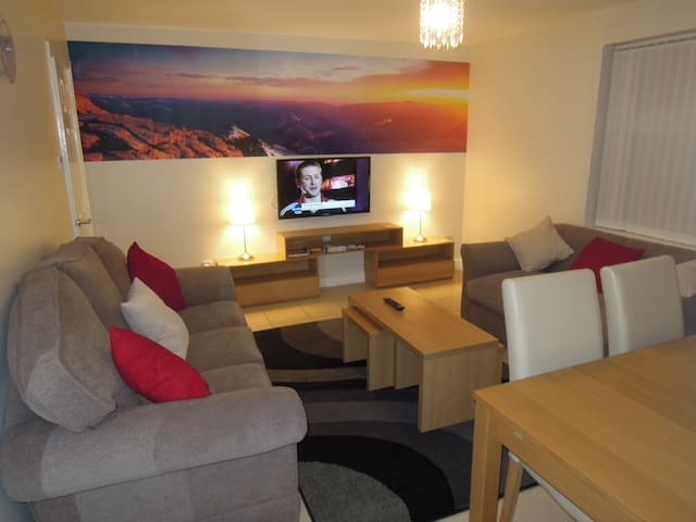 Luxurious, 3 bed, 10 person Liverpool Apartment
