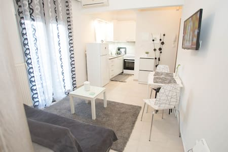 *NEW* Helexpo apartment IN THE HEART of the city!!