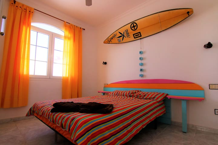 Private double room in Private Villa with pool
