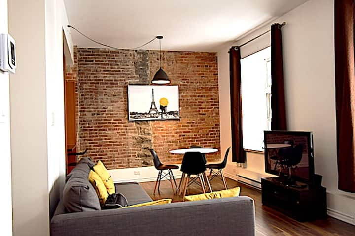#647 - Great Loft in Bright  Old Convent in Old Limoilou