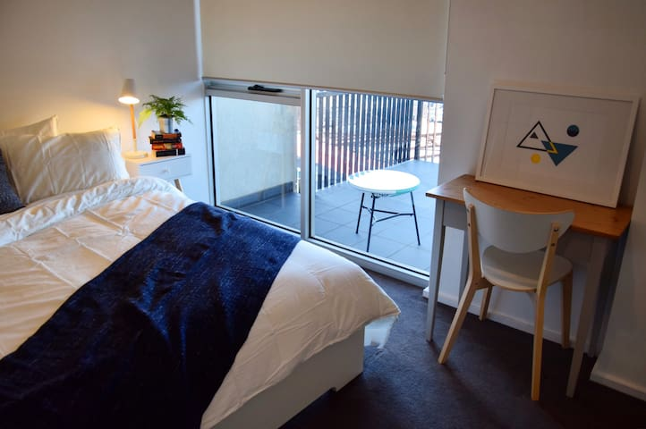 Enjoy the comforts of home in Melbourne's North - Preston - Flat