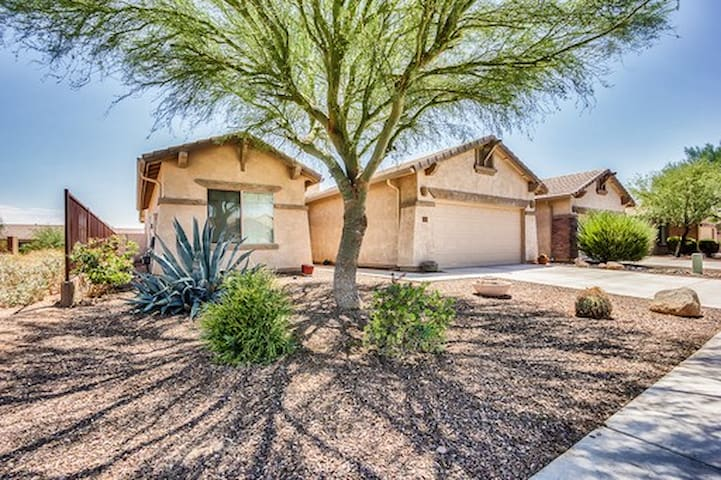 Golden Opportunity in Gold Canyon!