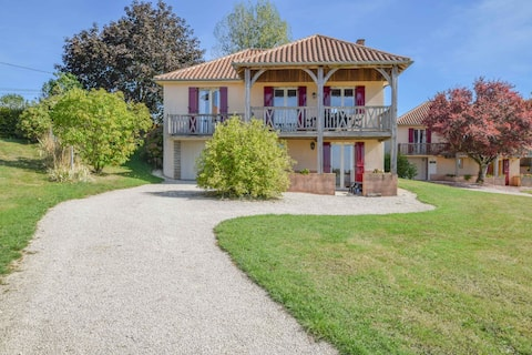 Detached renovated holidayhome with lots of privacy and a magnificent view!